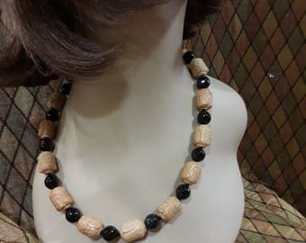 Hand carved jade and black onyx one strand necklace