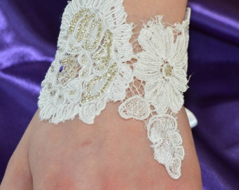 Lace bracelet wedding cuff lace ecru, bracelet, ivory lace embroidered, cuff wedding off white, ecru lace, lace