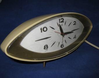 "Eames-era 1950's ""Dynamic"" Westclox S10-R Space Age Alarm Clock, Maple Sugar Color, Mid-Century, Atomic"