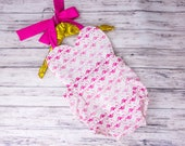 Baby Girl Pink Flamingo Heart Romper,  flamingo Romper and bow set, flamingo outfit, girls flamingo dress, heart romper, Valentines outfit