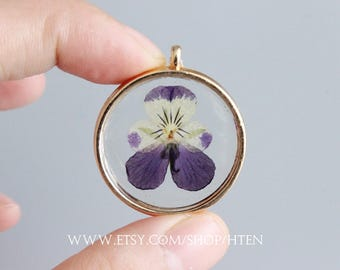 Dried flower pendant etsy 1pcs handmade pansy purple dried flowers pendant really flower pendant charms real flower diy mozeypictures Images