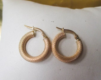 18K Yellow Gold Diamond Pattern Hoop Earrings