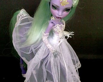 Monster High repaint, Monster High OOAK, High Custom Monster of Lalarossa. Avea Trotter. Unicorn