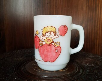Vintage Anchor Hocking Apple Dumplin' Milk Glass Mug