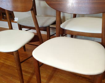 Mid Century Stanley Set of Six Curved Back Dining Chairs