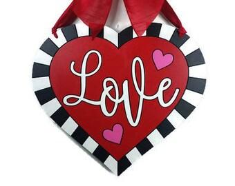 Valentine wreath, Valentine door hanger, Heart wreath, Heart door hanger, Valentine decor, Door decor, Valentine gift, Gift for her, Wife
