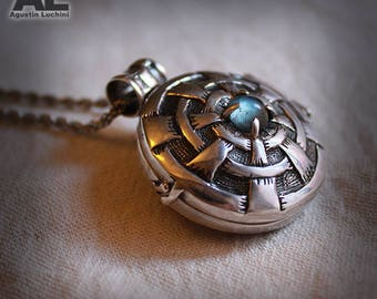 Necklace - Reliquary with Aquamarine, chiseled by hand - Sterling Silver