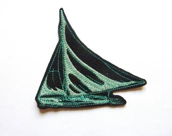 Green sailboat patch