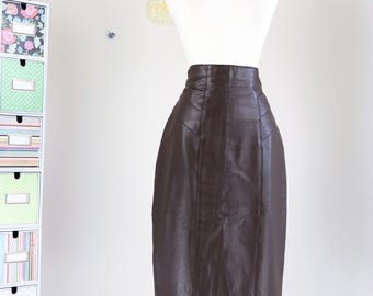 """1980s Skirt - Leather Pencil Skirt - Chocolate Brown - High Waist - Sexy Fitted Skirt - Pinup - Size Small Waist 26"""""""
