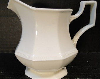 Johnson Brothers Heritage White Creamer England EXCELLENT!