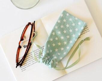 Eyeglasses case , green sun glasses case , reading glasses case , soft glasses cases , soft case , green , for summer ,  kids glasses cases