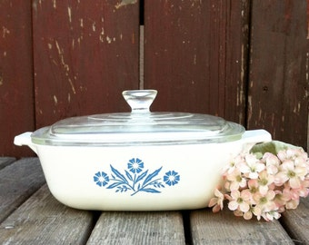 Vintage Corning Ware Casserole Dish, Glass Lid, Made in Canada, Vintage, Blue and White Cornflower 32 oz Casserole Dish, Vintage Cookware