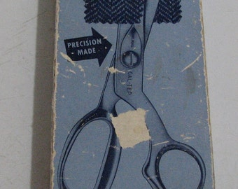 Made in the U.S.A. pinking shears . These scissors  are in great shape and come with original box