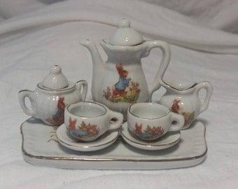 Miniature tea set with rabbits/miniature tea set/tea set with rabbits