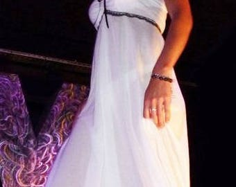 Beach dress long strapless empire • waist shape in cotton net white • Brown lace, beads • Beach, pregnancy photo shoot