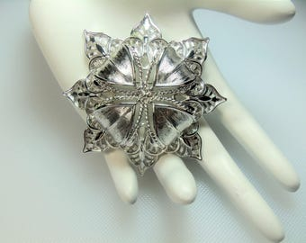 Vintage Textured and Detailed Silver Tone Large Starburst Pin Brooch Designer Signed Monet