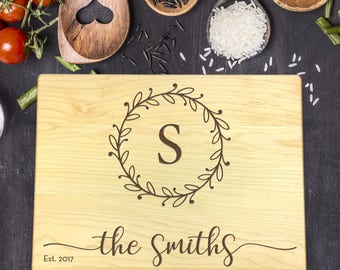 Personalized Cutting Board, Engraved Cutting Board, Custom Cutting Board, Wedding Gift, Housewarming Gift, Christmas Gift, Last Name, B-0023