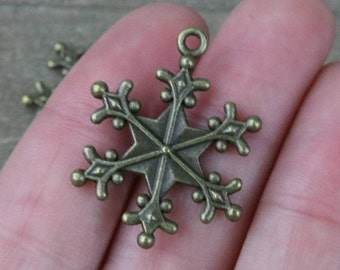 10 PIECES Antique bronze snowflake charm, Snowflake charm, winter charm, holiday charm, Christmas charm, winter, winter wonderland K02195