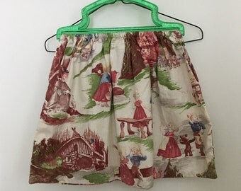 Vintage Sewing Bag Beautiful Hansel and Gretel Fabric and Green Handles