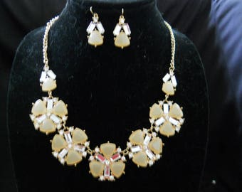 Rhinestone And Lucite Necklace Earring Set #409