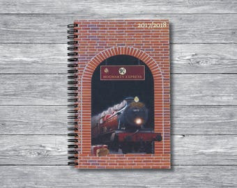 Harry Potter Weekly Planner (Hogwarts Express Cover)