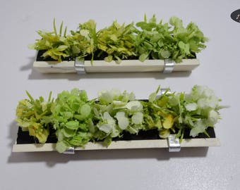 Boxes with flowers for the balconies, 1:12 scale