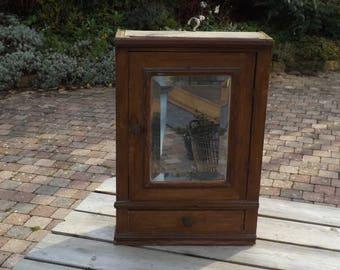 Armoire toilette. Pharmacie bois. Old wood furniture.  Vintage. France