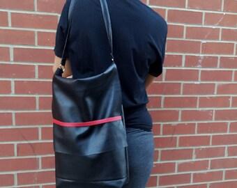 Black Ladies Shoulder/Crossbody Bag//Faux Leather Vegan Tote//Ladies Handbag//Shoulder Bag With Extra Pocket