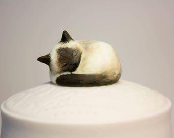 Cat Urn / Custom Cat Urn / Cat / Pet Portrait /DARLING IVORY/ Cat Lover / Pet Memorial / Custom Urn / Cat Lady / Siamese Cat / Siamese / Pet