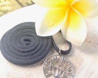 Tree of Life pendant, silver tree of life necklace, silver family tree necklace, dainty tree of life pendant, tree of life choker necklace