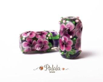 Pair of Lampwork Beads with hibiscus flowers