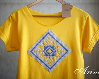 Yellow T-Shirt Hand Embroidery, Ethnic Style Embroidery T-Shirt