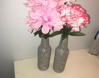 Glitter Vases (includes two w/ flowers)