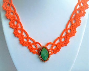 lace collar in orange/tatted tatting lace/necklace / pendant woven Pearl disc and Pearl seed beads/necklace is handmade