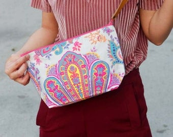 Canvas White Clutch Printed Fabric With Short Leather Strap