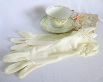Vintage Gloves, Long Gloves, Evening Gloves, Wedding Gloves, Gathered, Elegant, Costume, Off White, White, Formal