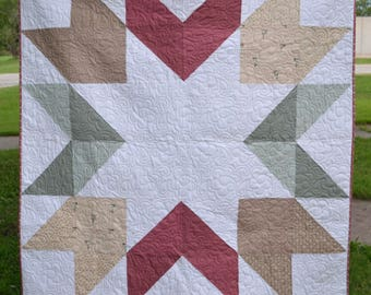 Beautiful Star Quilt | Farmhouse Decor | Wall Hanging | Large Lap Quilt | Starburst Quilt | Neutral Colors | Handmade | Bedding | Classic |