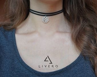 Suede choker with pendant. Black suede choker. Choker with pendant. Black double choker. Pendant choker. Double choker. Adjustable choker