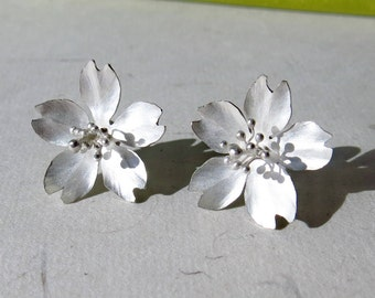 Season-Cherry Blossom-Sakura-Silver Earrings- single petals/ handmade,stud earrings