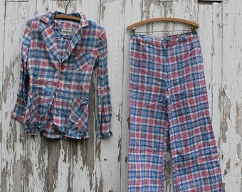Red, white, and blue plaid cotton leisure suit, medium, bellbottom pants, Tuplon, made in India, pockets, tall, 1970s, patriotic