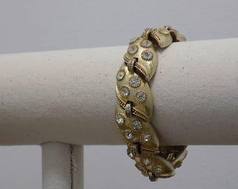 Vintage Signed Gold Tone Lisner Bracelet
