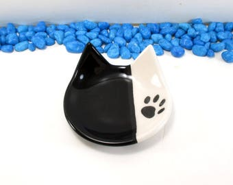 Black cat dish, cat dish, cat ring dish, ceramic cat dish, cat, black cat, black, clay cat dish, cat spoon rest, key holder, cat lovers gift