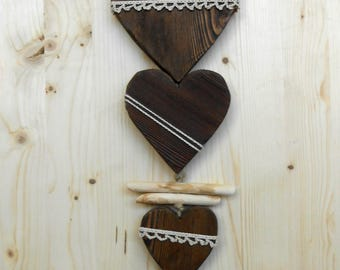 Room heart to hang on the wall in larch wood-dark