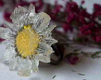 Crystal daisy adjustable ring