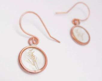 "Circle Earrings in Epoxy Resin and Copper, with Botanic Inlay, Leaf, Natural Earrings, ""Summer Fields"" Ethnic and Particular"