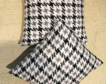 Houndstooth Pillows (set of 2)