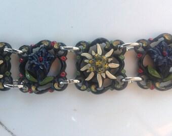 Vintage plastic floral link bracelet 1950s