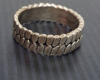 Sterling Silver Detailed Band