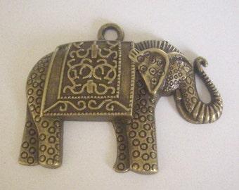 Large elephant Pendant (bronze) 48 x 39 mm