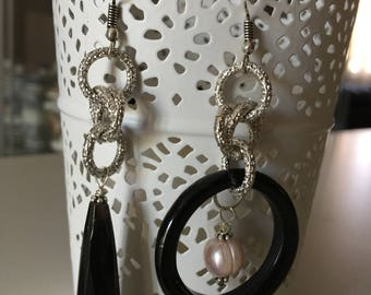 Asymmetrical earrings Onyx